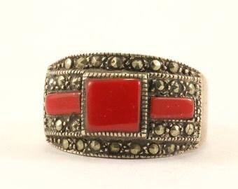 Vintage Geometric Coral & Marcasite Ring 925 Sterling Silver RG 2712