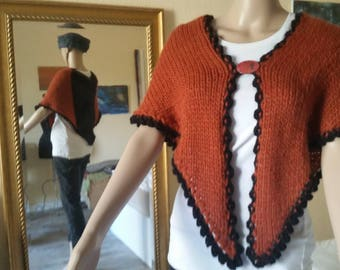 HALOWEEN-Look, triangle cloth in orange and black, knitted triangle cloth, knitted shoulder towel, knit stole, shoulder warmer