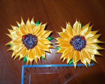 Sunflower hairclip, flower hairclip. hairclip