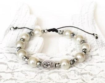 Scapular medal bracelet, pearl bracelet, catholic bracelet for women, scapular medal, , sacred heart of jesus and our lady of mount carmel