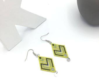 Beaded DIAMOND earrings lemon yellow and gray