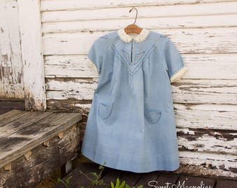 1920s 1930s Girls Blue Cotton Dress - Peter Pan - Smocking - Blanket Stitched Pockets - Lace trim collar cuffs