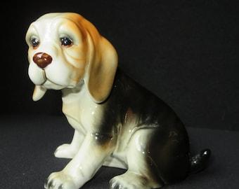 Excellent Ceramic Beagle Dog Figurine by Royal Crown 1985 Arnart Korea with original label
