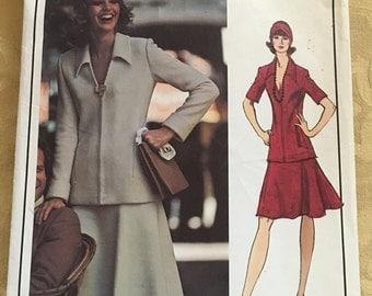 VOGUE PARIS ORIGINAL Nina Ricci skirt and jacket, Vogue Pattern #2903, Suitable for knits,