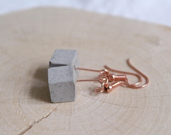 Concrete cube classic Rosé gold earrings