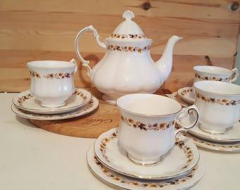 Pretty Golden Glory Tea Set