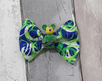 MiniFigure Marvel The Hulk Mickey Mouse Lego Dog Bow Tie, Dog clothing, Doggy Bow Tie, Puppy Bow Tie, Detachable Bow Tie, Slip on bow tie