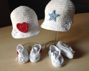 Crochet PATTERN Sporty Baby Booties Sneakers & Visor Hat Set N 231 Size Baby 0-6 and 6-12 months