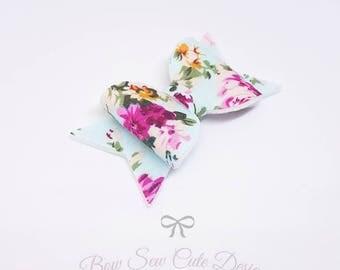 Floral bow/ flower bow/ blue flower bow/ girls bow/ summer bow/ pretty bow/ floral hair clip/ handmade bow/ floral hair bow/ baby headband