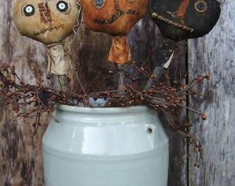 Primitive Pumpkin Pokes/Haunted Pumpkin Sticks/Primitive handmade Halloween Pumpkins/Crock Pokes/Prim/Halloween/ MADE TO ORDER