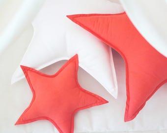 Red orange star cushion / Star pillow / Star shaped pillow / Decorative pillow / Kids pillow / Star decor / Nursery decor / Kids room