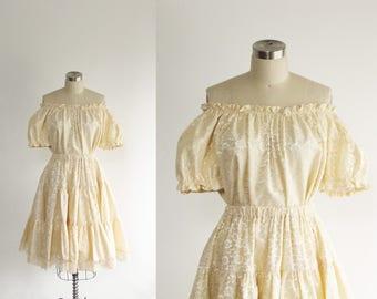 vintage 70s cream lace bridal set / off the shoulder crop blouse full circle skirt / simple wedding dress / high waist petticoat / gunne sax