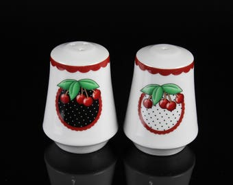 Rare Mary Engelbreit Cherry Salt & Pepper Shakers Mint Condition - set of 2 - Vintage