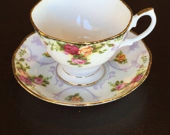 Royal Albert teacup - Rose Cameo Violet
