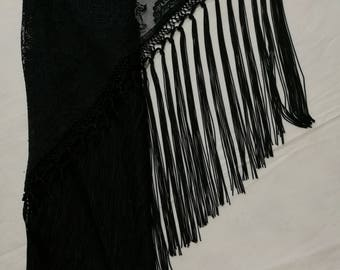 "Handmade Spanish Flamenco Shawl"" Mantoncillo"" in Black Lace with long 40cm / 16"" Fringes // 140x60cm - 55 x 24"""
