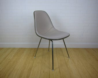 Eames Herman Miller Upholstered Naugahyde Side Chair Off White/Gray