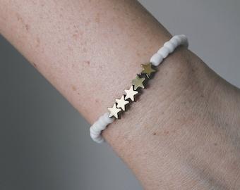 White and Gold Star Beaded Bracelet
