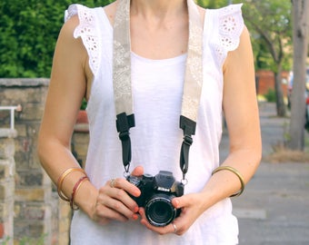 Cool Camera Strap Paisley pattern - vegan friendly - DSLR camera strap with padding - crossbody strap - camera accessories - gift for her.