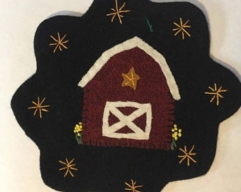 "7.5"" All Wool Top Red Barn Applique Table Mat or Wall Hanging"