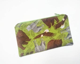 Clutch - Clutch Eagles and wolves bear / animal / storage / gift //fermee by zipper and waterproof lining