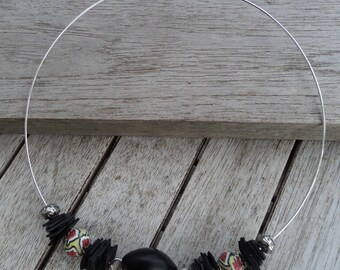 Crew neck - ethnic necklace - necklace in inner tube recylee and beads and multicolored - torque necklace