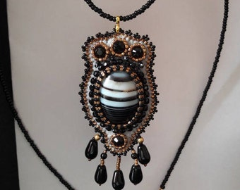 black and gold embroidered agate pendant necklace