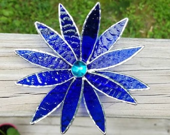 3D stained glass flower in blue