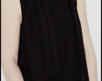 Lunula black viscose top