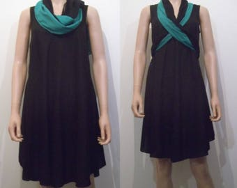 Short dress very flared neck scarf