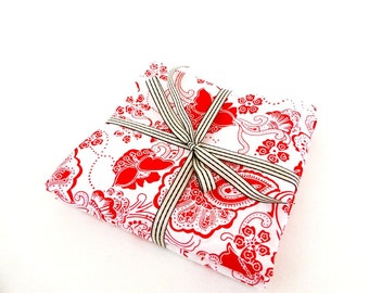 """Set of 2 fabric coupons """"chintz"""" pattern stylized flowers, red and white 48/50 cm"""