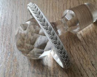 Sami bracelet white braided silver wire on Tin