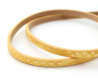 20cm of imitation gold mustard yellow leather reptile skin effect 5mm flat cord