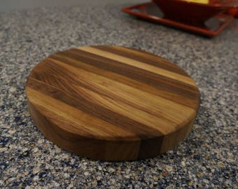 Reversible Cutting Boards - Round Walnut or Round Beech
