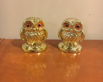 Vintage enesco gold owl salt and pepper shakers