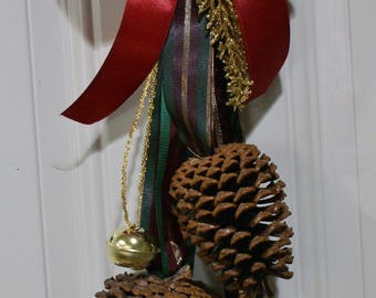 Holiday Door Swag, Pinecone, Wall Decoration, Christmas Decoration, Door Knocker