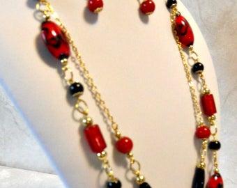 Big Red and black multi=chain
