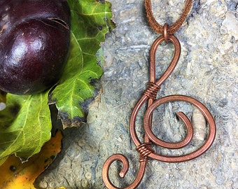 Copper Wire Treble Clef //treble clef pendant / copper pendant / wire shape necklace / music necklace / wire wrapped necklace /  hand forged