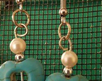 Pierced dangle heart earrings