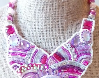 Pink bib necklace and Cabochon