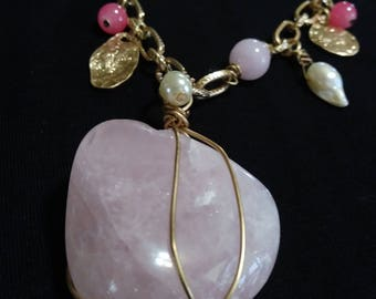 175.00ctw Genuine Agate and Mother of Pearl Necklace