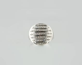 Diamonds, round ring made of brilliant cut lines, white gold