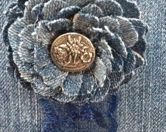 Denim flower brooch Old metal button Blue jean flower Rough edges Handmade brooch Single flower brooch Denim jewellery Trendy Stylish brooch