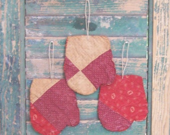 3 Primitive Mitten Ornaments Antique Quilt Farmhouse Christmas Decor Red Claret Tattered Ornaments - CHRISTMAS IN JULY Sale