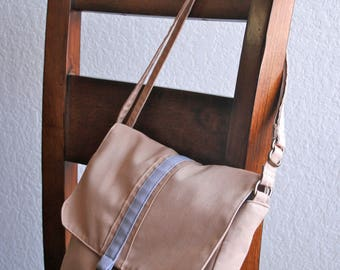 Canvas Messenger Bag - Gray