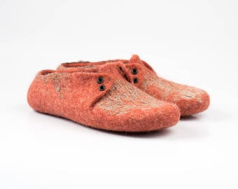 Felted wool womens slippers decorated with natural linen fabric Warm House slippers Orange slippers