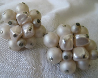Vintage Cluster Frosted White Beaded Costume Jewelry Clip Earrings