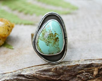 Turquoise Ring. Green Turquoise Leaf Southwestern Ring. Sterling Silver Ring. Rustic Nature Boho Jewelry. Size 7