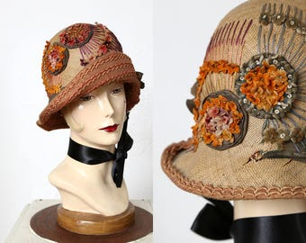 1920s Cloche Hat . Straw & Embroidery