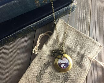 Seamstress Locket - sewing pendant, sewing machine charm necklace for the quilter, sewing crafter gift