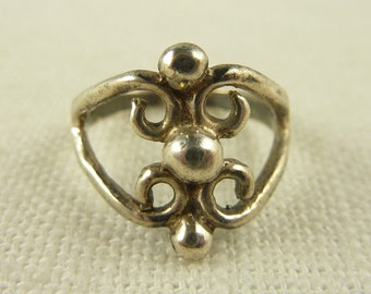 Size 5.75 Vintage Sterling Intricate Ring